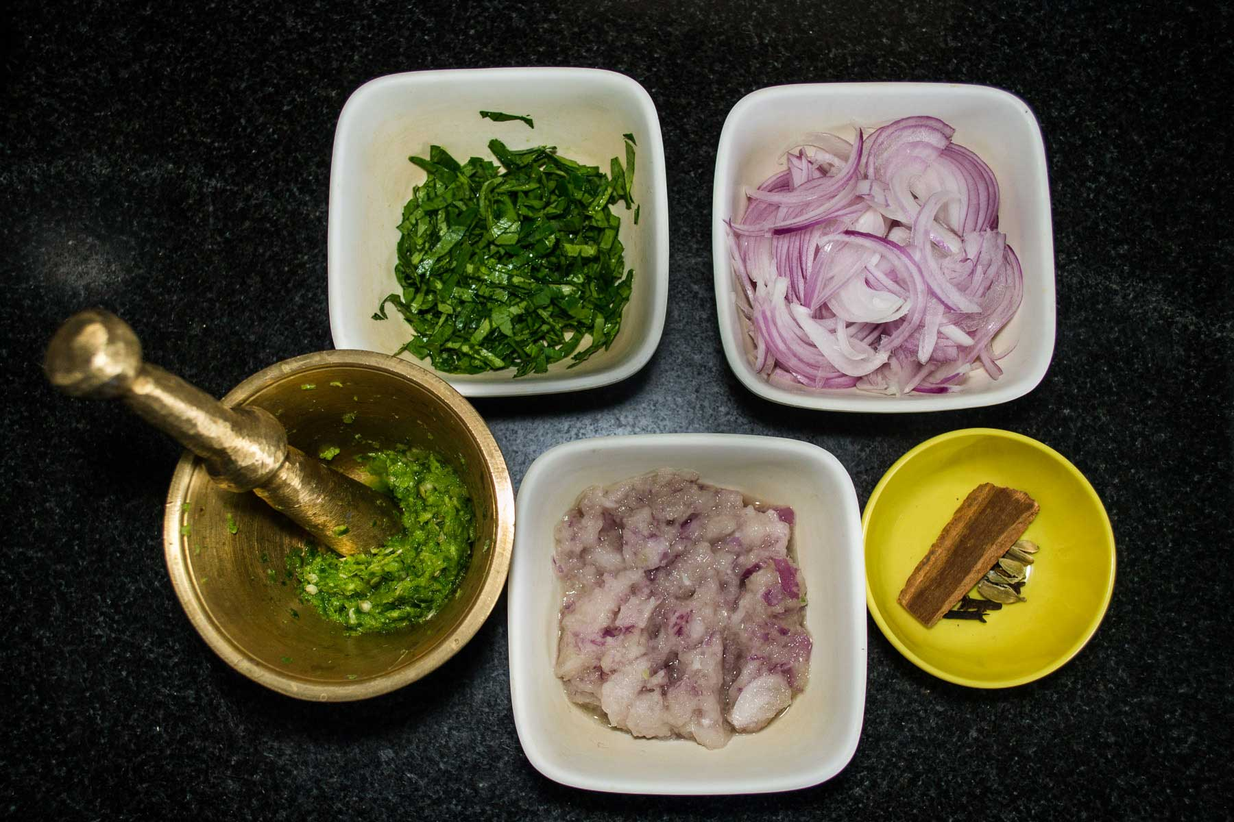 Spices required for Methi Malai Chicken