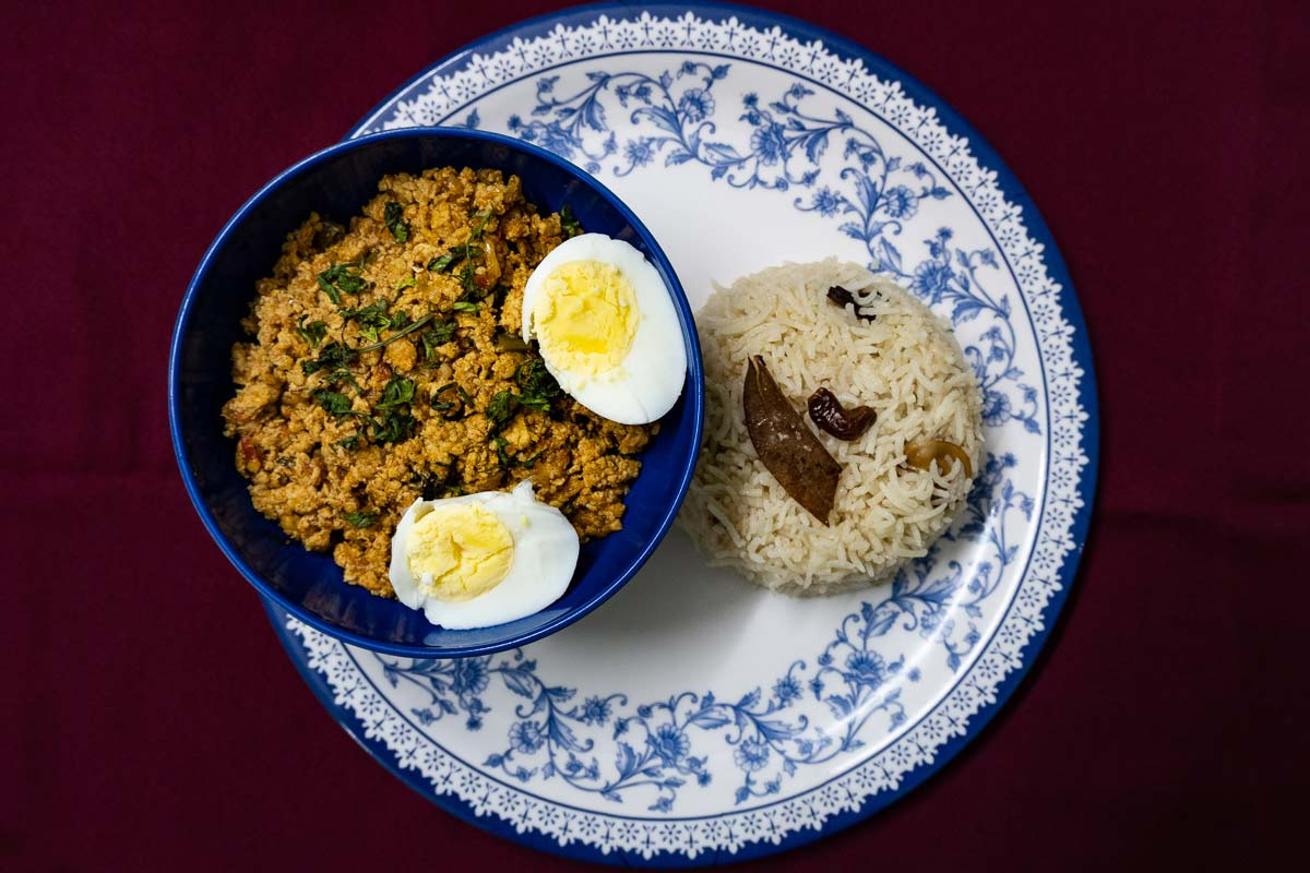 Spicy chicken keema masala served with shahi pulao